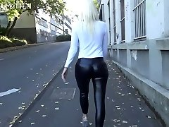 lara cumkitten-spermawalk ve leggingswalk