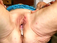 These Grannies have cream filled Holes