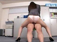 Office lady enjoying your rod