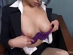 Chinami Sakai japanese secretary gives a hot oral stimulation