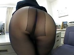 One of the hottest panty pantyhose worship scenes EVER!