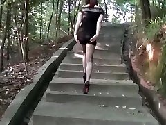chinese wife in public2