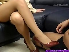 Yuuko Imai touches pecker with feet in shoes