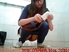 Chinese public crapper voyeur1-10-1