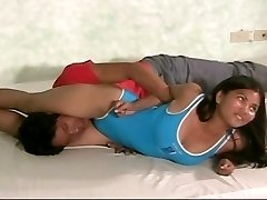 female grappling
