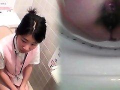 Freaky oriental peeing
