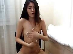 sexy korean girl sploogs on cam
