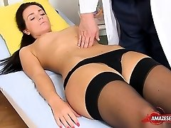 Black-haired doctor gaping and cumshot
