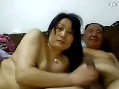 Parent Chinese Sex with his Wife1