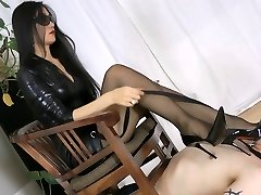 Smoking hot Oriental domme