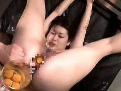 Bizarre Japanese AV hardcore sex leads to raw egg speculum