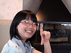 Japanese Glasses Cutie Blow Job