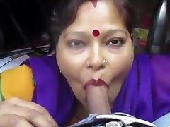 Desi aunty giving bj and gargle drank cum