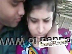 India küla tüdruk suudlemine tüdruk väljas skandaal - teen99*kom