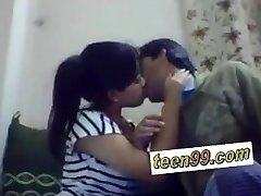 India school studend suudlemine sügavalt väljendada armastust