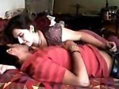 India Õde ja Vend Teevad Sugu, kui keegi kodus