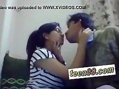 India school studend suudlemine sügavalt armastada