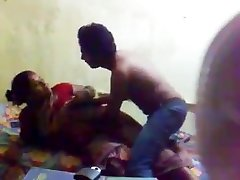 孟加拉羞Gf的胸部吸吮和猫舔