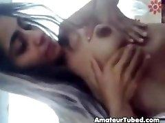 瘦瘦的毛茸茸的印度女孩的电影自己剥n逗