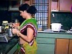 India Koduperenaine Kiusatus tüdruk Naabri onu Köök (Madal)