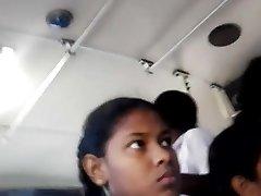斯里兰卡学校的女孩超短裙