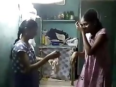tamil lesibian college chicks with audio (viral-2018)