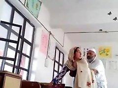 Desi head tormentor fuck urdu teacher school affair caught mms