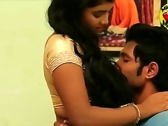 Navel romance - newly married duo