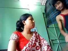 Desi Pair Fucking In Advance Of Camera and Enjoying