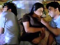 3 voodis 2012 (erootiline threesome)