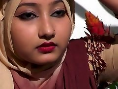 bangladeshi gorgeous girl showing her sexy boobs style