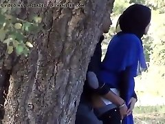 Desi Indian muslim girl mitt job in outside Hidden cam