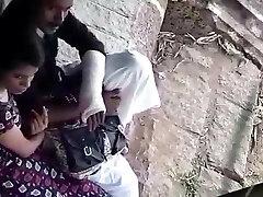 Chennai girl giving handjob to her bf in public park(hidden)