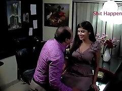индийское босс ебать когда она приходит для интервью