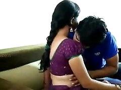 Bhabhi ko dudh se nehla ke pel diya