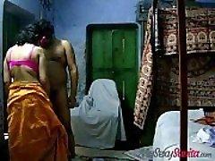 印度业余savita哥给予热的吹箫