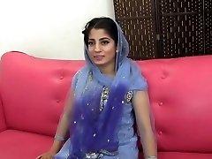 Paki-India moslemi Tüdruk keppis 10 tolli must kukk