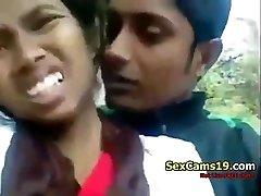 spicygirlcam - Desi Indian Girl Deep Throat Her BEAU Outdoor