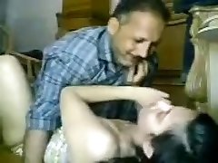 Desi paki Muslim pyari Beti Asma ko Abbu ne privately Chodha