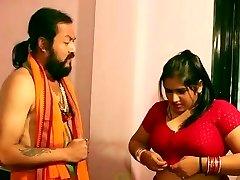 Свамиджи наслаждаясь красивыми Бхабхи