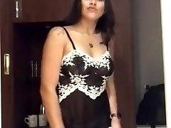 Jaw-dropping Indian Doll Strippin
