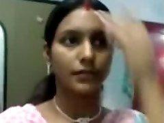 性感Notrth印度阿姨的胸部