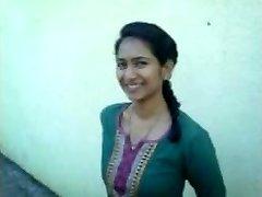 anusha lekkinud foto