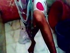 (DirtyCook)印度GF搞砸在淋浴
