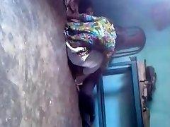 印度德西情人女孩他妈的私人教师在地板上