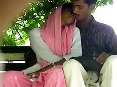 lovers handjob and finger-tickling inpak