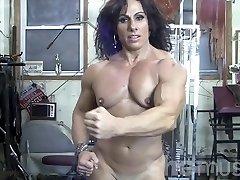 Annie Rivieccio Naked Chick Bodybuilder in the Gym