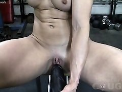 Muscular Mature Claire Fucks Gigantic Fuck Stick In The Gym