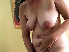 Ray Lynn mature fake penis masturbation