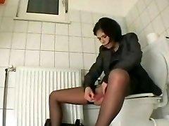 masturbating in to the toilet
